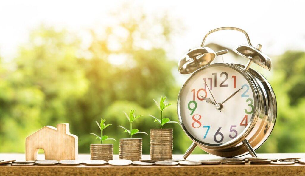 Italian mortage | Clock and money scale